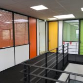 Pourquoi aménager une mezzanine métallique des cloisons et plafonds amovibles ?